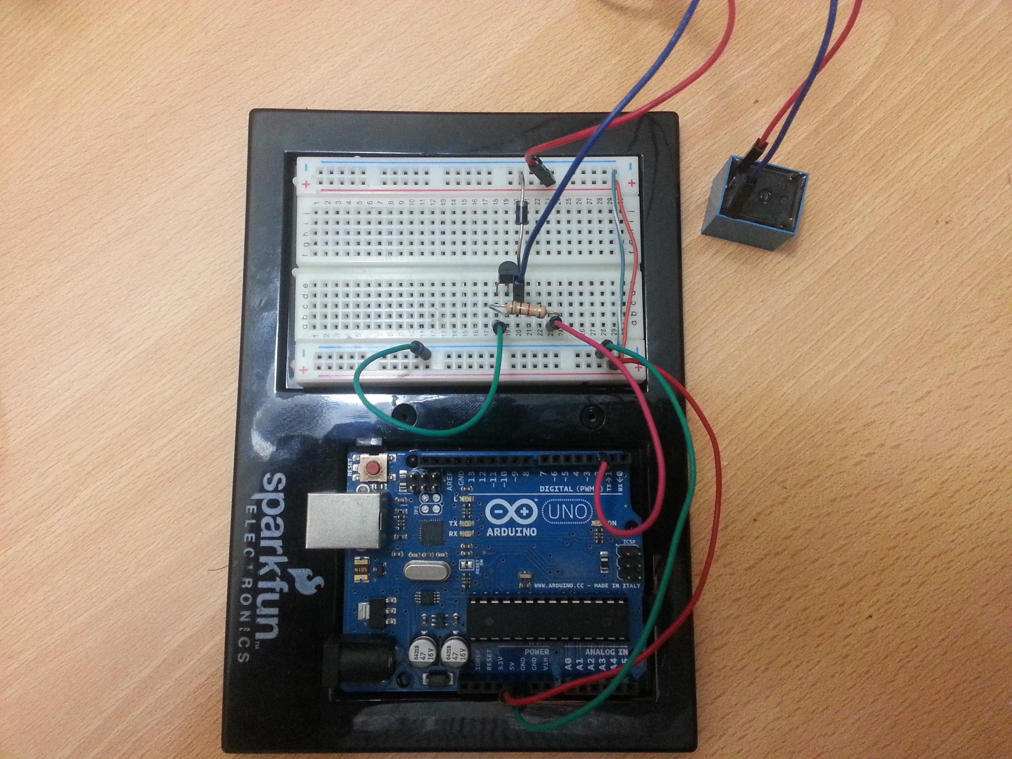 Circuito H : Controlando un relay con arduino internet de las cosas