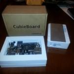 Se ve el cubieboard2 y la caja adicional de soporte.